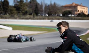 Russell aims to make Hamilton 'regret' giving him advice