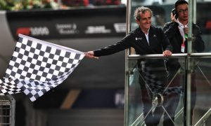 F1 to sell chequered flag squares for charity