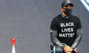 Hamilton unhappy with 'rushed' pre-race kneel act
