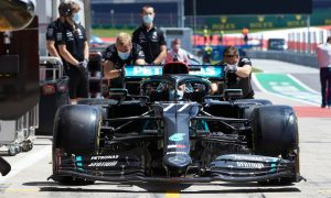 Mercedes: Gearbox woes caused by 'electrical noise' interference