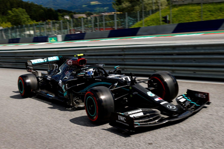 Mercedes reveals frantic 24-hour deadline to decide black livery - F1i.com