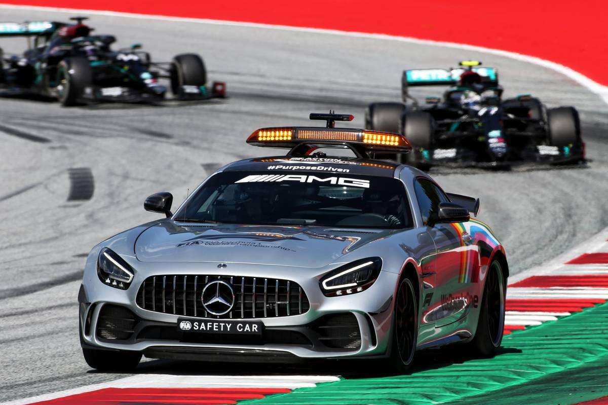 Valtteri Bottas (FIN) Mercedes AMG F1 W11 leads behind the FIA Safety Car.