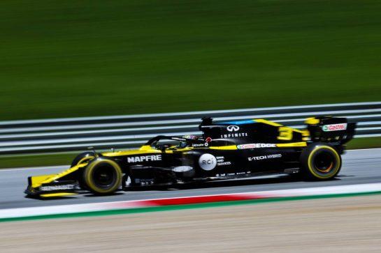 Daniel Ricciardo (AUS) Renault F1 Team RS20. 10.07.2020. Formula 1 World Championship, Rd 2, Steiermark Grand Prix, Spielberg, Austria, Practice Day. - www.xpbimages.com, EMail: requests@xpbimages.com © Copyright: Charniaux / XPB Images
