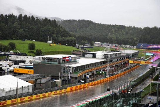 Circuit atmosphere - rain delays the start of qualifying. 11.07.2020. Formula 1 World Championship, Rd 2, Steiermark Grand Prix, Spielberg, Austria, Qualifying Day. - www.xpbimages.com, EMail: requests@xpbimages.com © Copyright: Batchelor / XPB Images