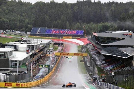 Carlos Sainz Jr (ESP) McLaren MCL35. 11.07.2020. Formula 1 World Championship, Rd 2, Steiermark Grand Prix, Spielberg, Austria, Qualifying Day. - www.xpbimages.com, EMail: requests@xpbimages.com © Copyright: Charniaux / XPB Images