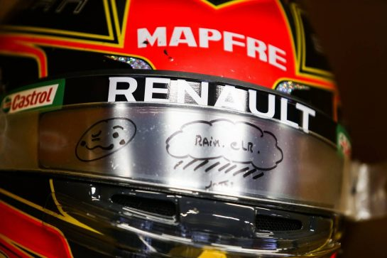The helmet of Esteban Ocon (FRA) Renault F1 Team. 11.07.2020. Formula 1 World Championship, Rd 2, Steiermark Grand Prix, Spielberg, Austria, Qualifying Day. - www.xpbimages.com, EMail: requests@xpbimages.com © Copyright: Moy / XPB Images