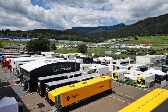 Renault F1 Team - Paddock atmosphere. 12.07.2020. Formula 1 World Championship, Rd 2, Steiermark Grand Prix, Spielberg, Austria, Race Day. - www.xpbimages.com, EMail: requests@xpbimages.com © Copyright: Moy / XPB Images