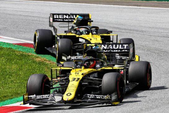 Esteban Ocon (FRA) Renault F1 Team RS20 leads team mate Daniel Ricciardo (AUS) Renault F1 Team RS20. 12.07.2020. Formula 1 World Championship, Rd 2, Steiermark Grand Prix, Spielberg, Austria, Race Day. - www.xpbimages.com, EMail: requests@xpbimages.com © Copyright: Charniaux / XPB Images