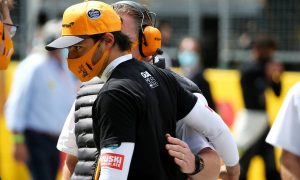 Seidl apologises to Sainz for pit stop blunder