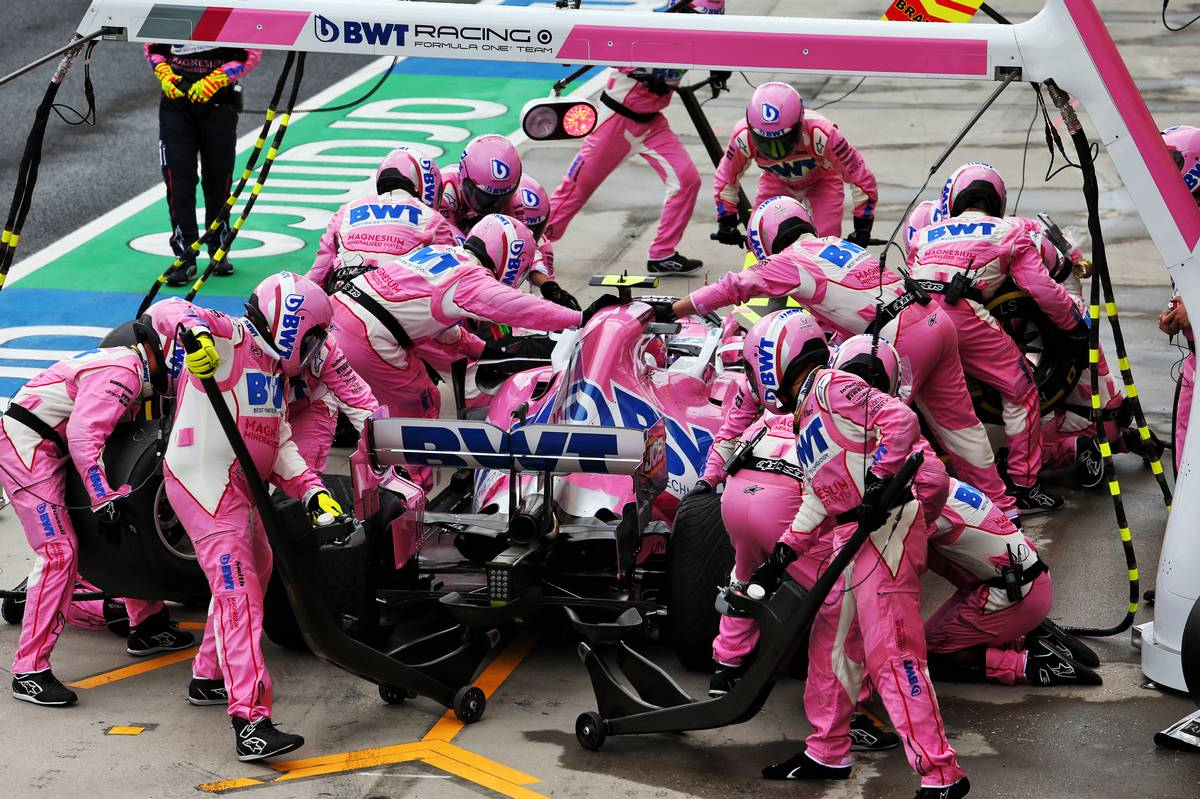 Lance Stroll (CDN) Racing Point F1 Team RP20 makes a pit stop.