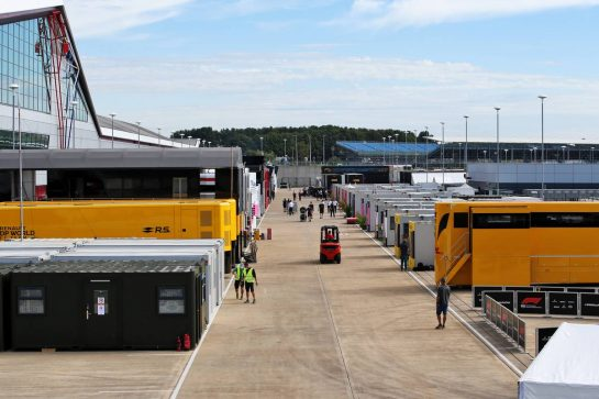 Paddock atmosphere. 30.07.2020. Formula 1 World Championship, Rd 4, British Grand Prix, Silverstone, England, Preparation Day. - www.xpbimages.com, EMail: requests@xpbimages.com © Copyright: Batchelor / XPB Images