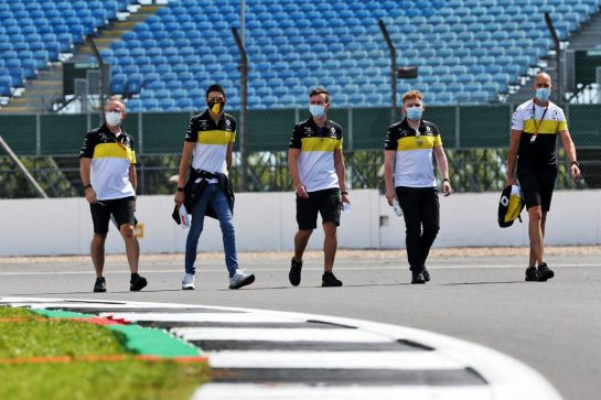 Esteban Ocon (FRA) Renault F1 Team walks the circuit with the team. 30.07.2020. Formula 1 World Championship, Rd 4, British Grand Prix, Silverstone, England, Preparation Day. - www.xpbimages.com, EMail: requests@xpbimages.com © Copyright: Batchelor / XPB Images