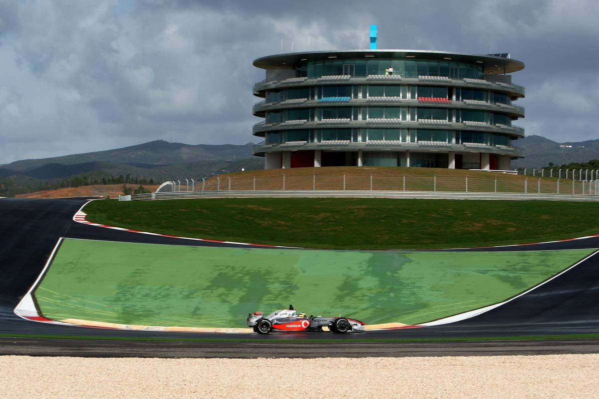 Track limits will be an issue in Portugal, predicts Russell