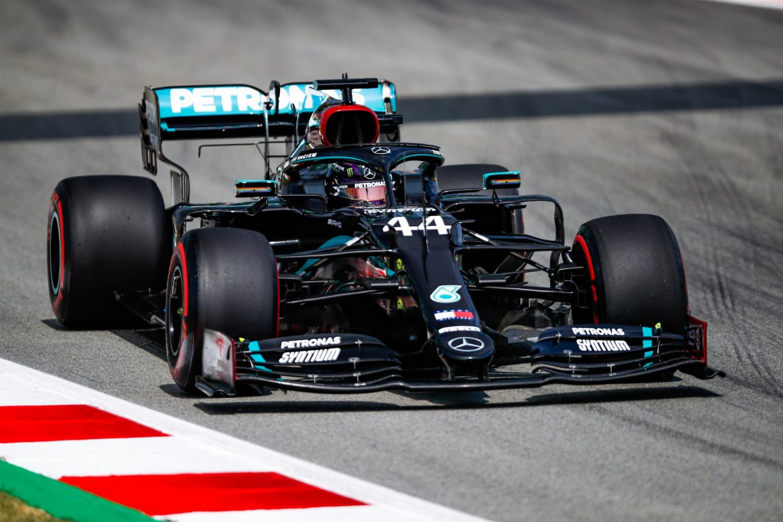 Hamilton: Spanish heat 'a killer' in the car and on tyres