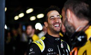 Ricciardo warns Abiteboul to 'stay alert' for tattoo job!