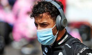 Ricciardo puts Grosjean's moves on drivers' briefing agenda