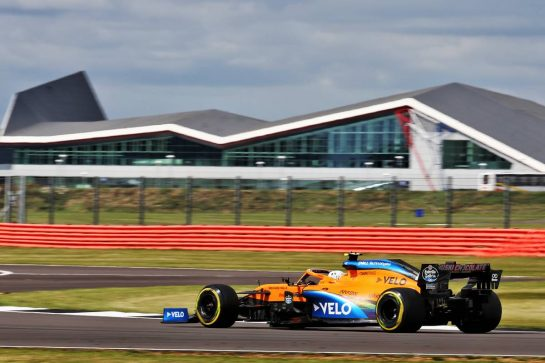 Lando Norris (GBR) McLaren MCL35.