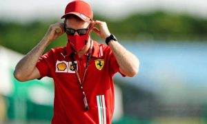 'Toxic' relationship at Ferrari could lead to early exit for Vettel