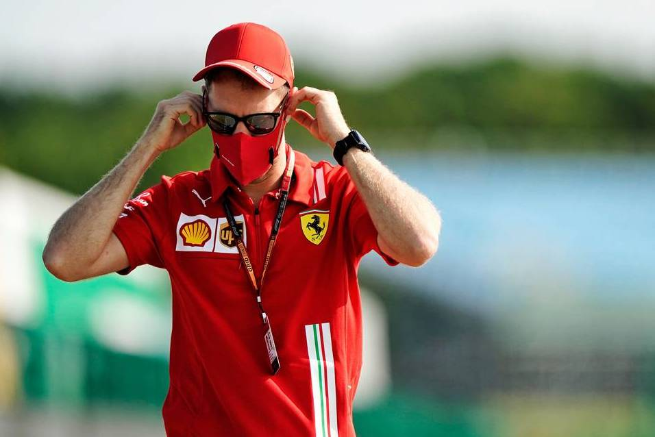 'Toxic' relationship at Ferrari could lead to early exit for Vettel - F1i.com