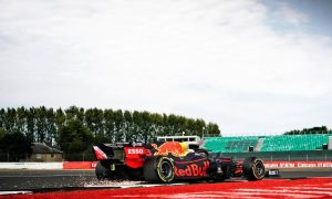 Verstappen pinning hopes on hard tyre gambit