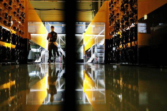 Daniel Ricciardo (AUS) Renault F1 Team. 08.08.2020. Formula 1 World Championship, Rd 5, 70th Anniversary Grand Prix, Silverstone, England, Qualifying Day. - www.xpbimages.com, EMail: requests@xpbimages.com © Copyright: Moy / XPB Images