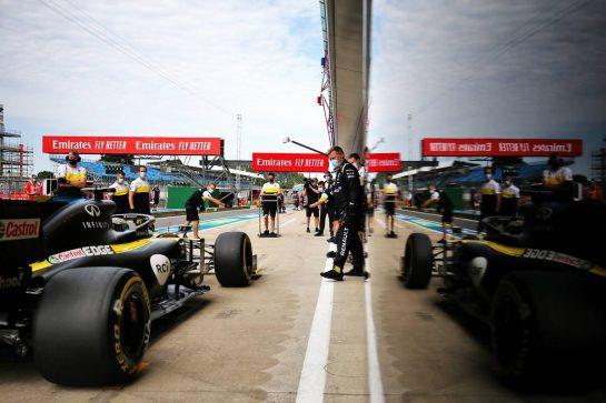 Daniel Ricciardo (AUS) Renault F1 Team RS20. 08.08.2020. Formula 1 World Championship, Rd 5, 70th Anniversary Grand Prix, Silverstone, England, Qualifying Day. - www.xpbimages.com, EMail: requests@xpbimages.com © Copyright: Moy / XPB Images
