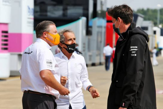 (L to R): Zak Brown (USA) McLaren Executive Director; Alain Prost (FRA) Renault F1 Team Non-Executive Director; and Toto Wolff (GER) Mercedes AMG F1 Shareholder and Executive Director. 09.08.2020. Formula 1 World Championship, Rd 5, 70th Anniversary Grand Prix, Silverstone, England, Race Day. - www.xpbimages.com, EMail: requests@xpbimages.com © Copyright: Moy / XPB Images