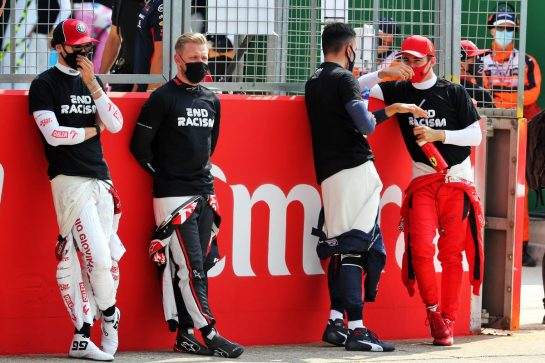 (L to R): Antonio Giovinazzi (ITA) Alfa Romeo Racing; Kevin Magnussen (DEN) Haas F1 Team; Alexander Albon (THA) Red Bull Racing; and Charles Leclerc (MON) Ferrari on the grid. 09.08.2020. Formula 1 World Championship, Rd 5, 70th Anniversary Grand Prix, Silverstone, England, Race Day. - www.xpbimages.com, EMail: requests@xpbimages.com © Copyright: Batchelor / XPB Images