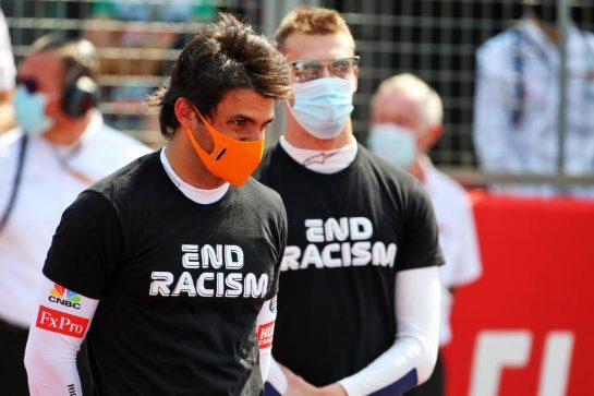 Carlos Sainz Jr (ESP) McLaren on the grid. 09.08.2020. Formula 1 World Championship, Rd 5, 70th Anniversary Grand Prix, Silverstone, England, Race Day. - www.xpbimages.com, EMail: requests@xpbimages.com © Copyright: Batchelor / XPB Images