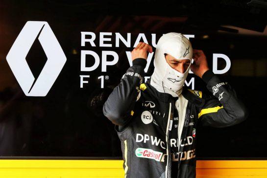 Daniel Ricciardo (AUS) Renault F1 Team. 09.08.2020. Formula 1 World Championship, Rd 5, 70th Anniversary Grand Prix, Silverstone, England, Race Day. - www.xpbimages.com, EMail: requests@xpbimages.com © Copyright: Moy / XPB Images