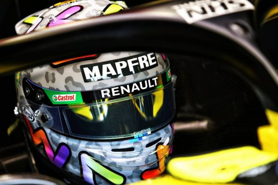 Daniel Ricciardo (AUS) Renault F1 Team RS20. 09.08.2020. Formula 1 World Championship, Rd 5, 70th Anniversary Grand Prix, Silverstone, England, Race Day. - www.xpbimages.com, EMail: requests@xpbimages.com © Copyright: Moy / XPB Images
