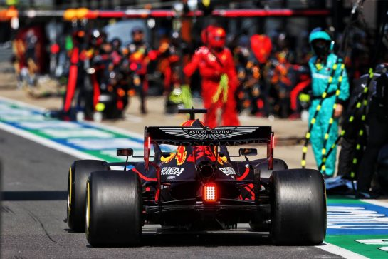 Max Verstappen (NLD) Red Bull Racing RB16 makes a pit stop. 09.08.2020. Formula 1 World Championship, Rd 5, 70th Anniversary Grand Prix, Silverstone, England, Race Day. - www.xpbimages.com, EMail: requests@xpbimages.com © Copyright: Moy / XPB Images