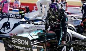 Hamilton 'shocked' by Mercedes tyre woes at Silverstone