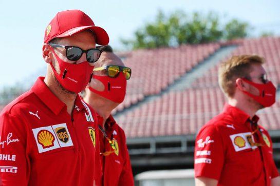 Sebastian Vettel (GER) Ferrari walks the circuit with the team. 13.08.2020. Formula 1 World Championship, Rd 6, Spanish Grand Prix, Barcelona, Spain, Preparation Day. - www.xpbimages.com, EMail: requests@xpbimages.com © Copyright: Batchelor / XPB Images