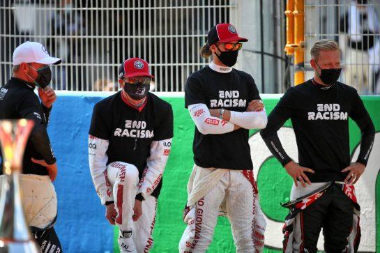 (L to R): Valtteri Bottas (FIN) Mercedes AMG F1; Kimi Raikkonen (FIN) Alfa Romeo Racing; Antonio Giovinazzi (ITA) Alfa Romeo Racing; and Kevin Magnussen (DEN) Haas F1 Team, on the grid. 16.08.2020. Formula 1 World Championship, Rd 6, Spanish Grand Prix, Barcelona, Spain, Race Day. - www.xpbimages.com, EMail: requests@xpbimages.com © Copyright: Batchelor / XPB Images