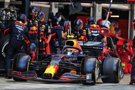 Alexander Albon (THA) Red Bull Racing RB16 makes a pit stop. 16.08.2020. Formula 1 World Championship, Rd 6, Spanish Grand Prix, Barcelona, Spain, Race Day. - www.xpbimages.com, EMail: requests@xpbimages.com © Copyright: Charniaux / XPB Images