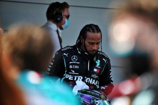 Race winner Lewis Hamilton (GBR) Mercedes AMG F1 in parc ferme. 16.08.2020. Formula 1 World Championship, Rd 6, Spanish Grand Prix, Barcelona, Spain, Race Day. - www.xpbimages.com, EMail: requests@xpbimages.com © Copyright: Batchelor / XPB Images
