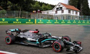 Hamilton puts in perfect pole lap as Ferrari flops in Q2