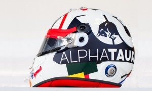 Local hero Kvyat sports special lid for home race