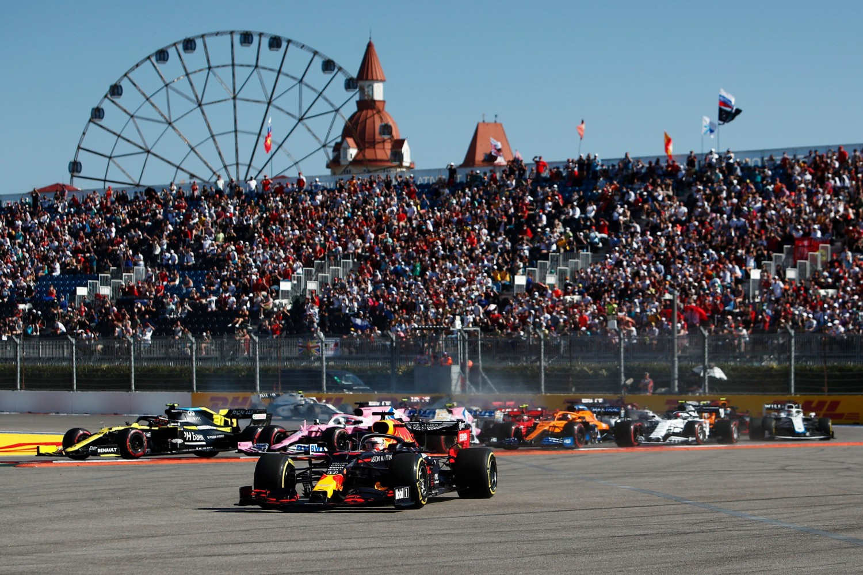 Drivers urge changes to Sochi's Turn 2 'terrible design'