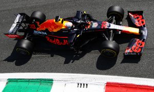 Verstappen puzzled by 'weird' slipstream weakness
