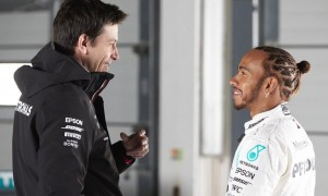 Wolff admits to surviving 'difficult times' with Hamilton