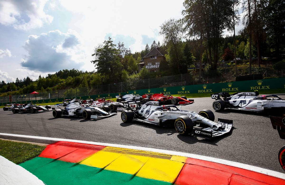 Wolff: F1 wrong to design 'freak results' with reverse grids