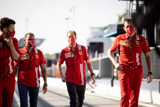 Sebastian Vettel (GER) Ferrari walks the circuit with the team. 03.09.2020. Formula 1 World Championship, Rd 8, Italian Grand Prix, Monza, Italy, Preparation Day. - www.xpbimages.com, EMail: requests@xpbimages.com © Copyright: Bearne / XPB Images