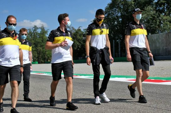 Esteban Ocon (FRA) Renault F1 Team walks the circuit with the team. 03.09.2020. Formula 1 World Championship, Rd 8, Italian Grand Prix, Monza, Italy, Preparation Day. - www.xpbimages.com, EMail: requests@xpbimages.com © Copyright: Batchelor / XPB Images