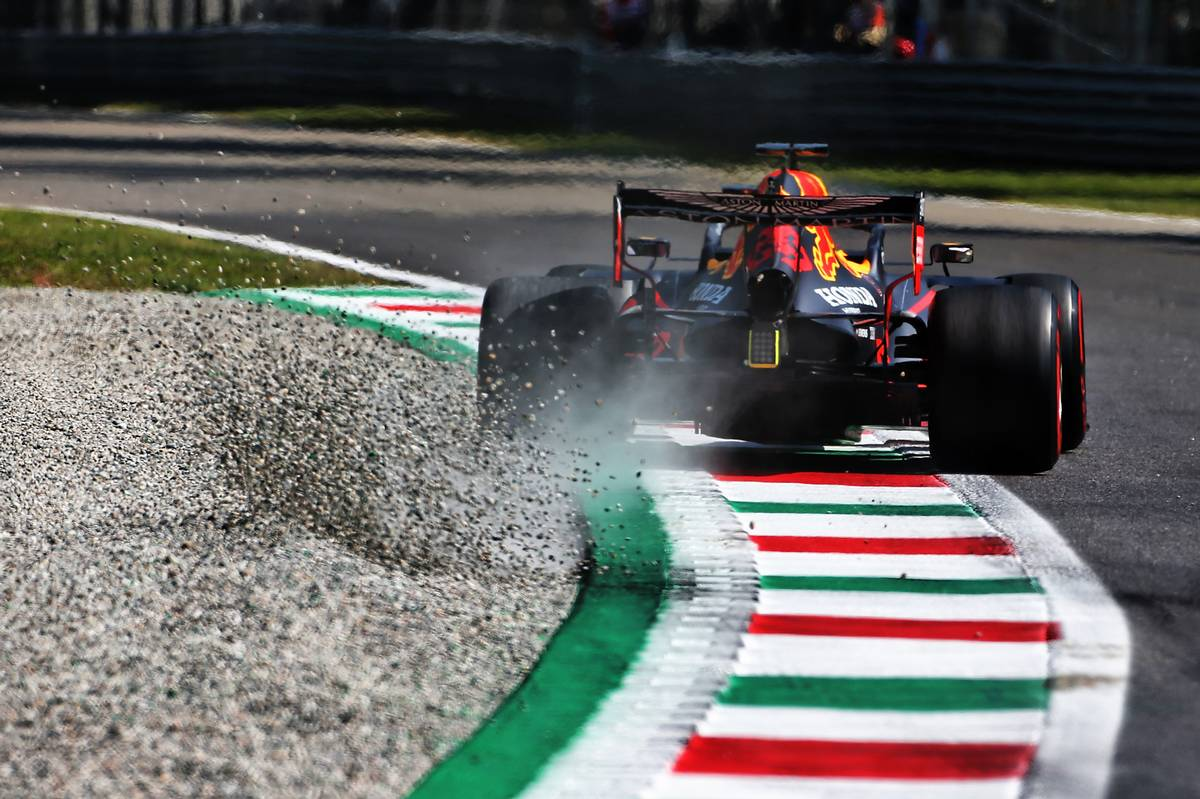 Red Bull performance hit by balance and grip issues - Verstappen