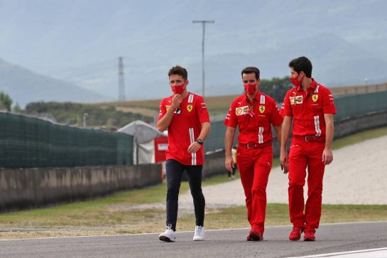 Charles Leclerc (MON) Ferrari walks the circuit with the team. 10.09.2020. Formula 1 World Championship, Rd 9, Tuscan Grand Prix, Mugello, Italy, Preparation Day. - www.xpbimages.com, EMail: requests@xpbimages.com © Copyright: Batchelor / XPB Images