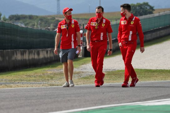 Sebastian Vettel (GER) Ferrari walks the circuit with the team. 10.09.2020. Formula 1 World Championship, Rd 9, Tuscan Grand Prix, Mugello, Italy, Preparation Day. - www.xpbimages.com, EMail: requests@xpbimages.com © Copyright: Batchelor / XPB Images