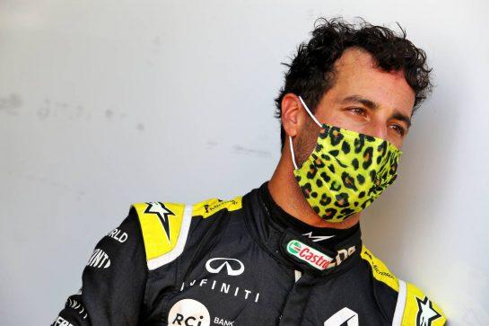 Daniel Ricciardo (AUS) Renault F1 Team. 11.09.2020. Formula 1 World Championship, Rd 9, Tuscan Grand Prix, Mugello, Italy, Practice Day. - www.xpbimages.com, EMail: requests@xpbimages.com © Copyright: Moy / XPB Images