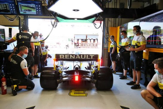 Daniel Ricciardo (AUS) Renault F1 Team RS20. 11.09.2020. Formula 1 World Championship, Rd 9, Tuscan Grand Prix, Mugello, Italy, Practice Day. - www.xpbimages.com, EMail: requests@xpbimages.com © Copyright: Moy / XPB Images